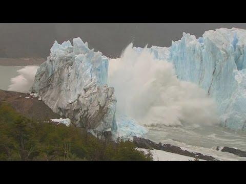 """انهيار جبل جليدي في الأرجنتين يُعرف باسم """"العملاق الأبيض"""""""
