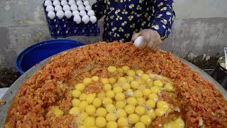 Video INDIA'S BIGGEST Scrambled Egg | 240 EGGS Scrambled with Loads of Butter | Indian Street Food MP3, 3GP, MP4, WEBM, AVI, FLV April 2019