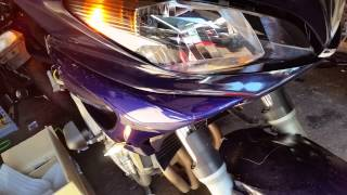 LED turn signals in the headlight pod of a 2005 FZ6