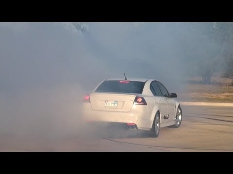 pontiac g8 gt show - burnout!!!