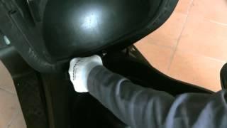 8. www.scootermotor.es video brico desmontar asiento y cofre Superdink