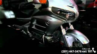 8. 2015 Honda GL1800 Gold Wing Audio Comfort Navi XM ABS - B...