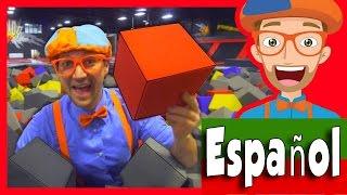 El Parque de Trampolines con Blippi Español   Aprende Los Colores