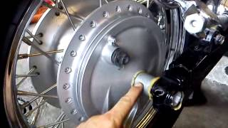 Shaft drive rear tyre removal and installation on Honda Shadow VT750 Part 2