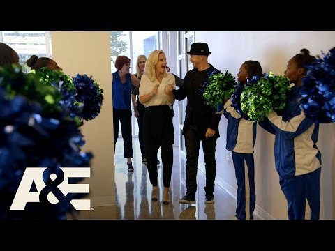 Donnie Loves Jenny: Donnie Gets an Honorary Arts Doctorate (Season 3, Episode 5) | A&E