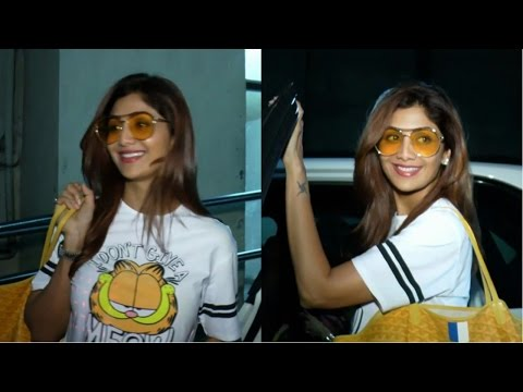 Shilpa Shetty With Her Family Spotted At Pvr Juhu To Watch Movie