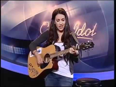 Malu Kyriakopoulou (grega) canta amor perfeito de Roberto Carlos.
