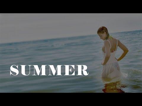 SUMMER (Official video) - Model on the beach - Luca Brogi Production (видео)