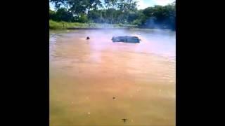 Download Lagu Troller na água em Cuiabá - Marcelo Roder pilotando Mp3