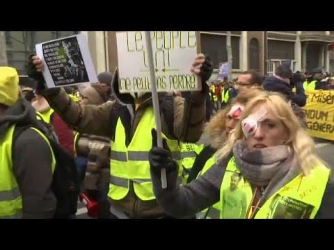 Frankreich: Die Gelbwesten protestieren gegen Polizeigewalt