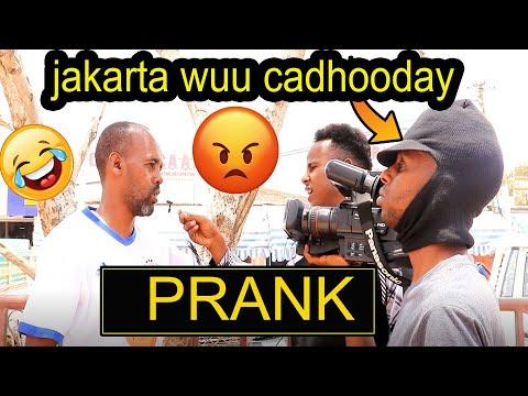 prank aan caadi ahayn sakariye jakarta iyo dadka maxa kala qabsaday kkk😂😂