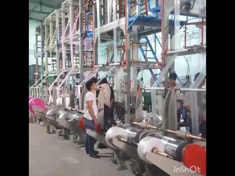 Máy sản xuất túi ni lông.