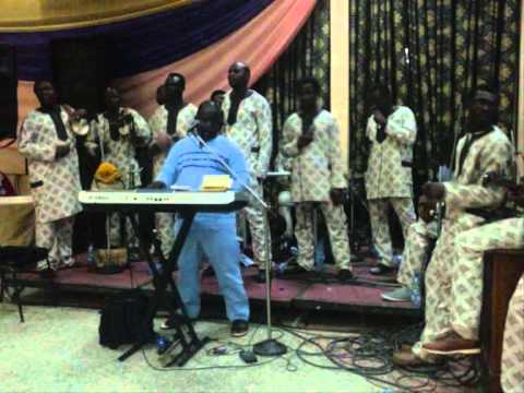 JIDE OGBOLA & THE HARMONY BLENDERS.wmv