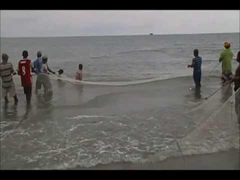 videos de sirenas reales - Pescadores atrapan hermosa sirena joven en las playas de Cartagena de indias, por suerte me la devolvieron jajaja.