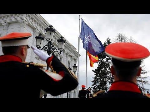 Η σημαία του ΝΑΤΟ κυματίζει στα Σκόπια-Έκανε λόγο για Βόρεια Μακεδονία ο Ζάεφ…