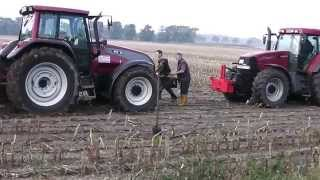 Video Valtra vs Case IH ★ MX 150 Traktoren im Schlamm festgefahren MP3, 3GP, MP4, WEBM, AVI, FLV Februari 2019