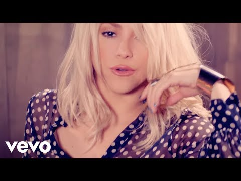 Addicted To You - Shakira (Video)