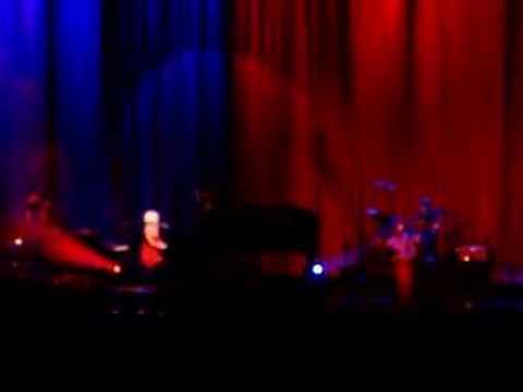 Tekst piosenki Tori Amos - Hoochie Woman po polsku