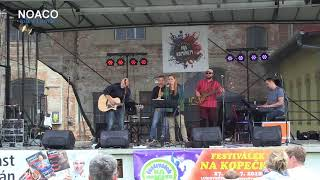 Louky vlčích máků (festival Pod komínem)