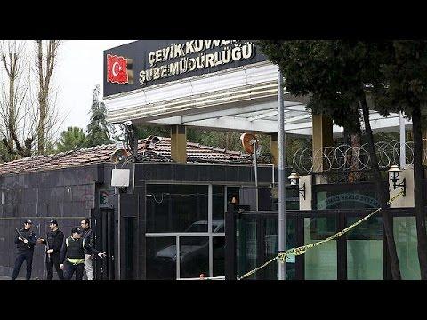 Επίθεση με παγιδευμένο όχημα και ρουκέτες στη ΝΑ Τουρκία
