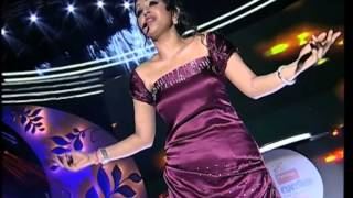 Meera Jasmin singing  for the first time. What a Fabulous Performance!!   Vanitha Film Awards 2013