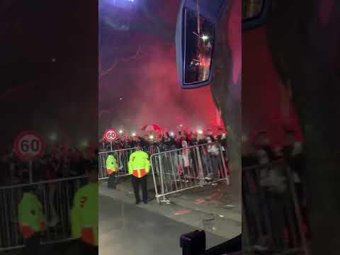 ¡Pura fiesta Millonaria! Así volvía el Bus de River Plate hacia el Estadio Monumental