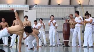 カポエイラ・テンポの華麗な技
