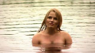 Download Video Blondynka – Dama w kąpieli – scena z odc. 56 MP3 3GP MP4