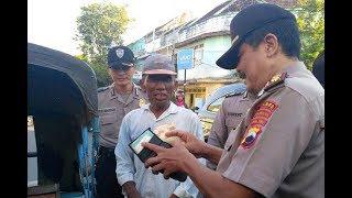 Video Kaget! Polisi Razia Isi Dompet Tukang Becak, dan Ini Yang Terjadi MP3, 3GP, MP4, WEBM, AVI, FLV Desember 2018