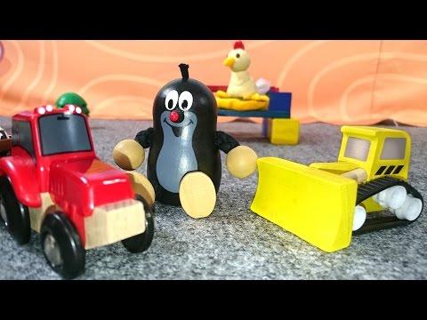 Видео для детей. Кротик лепит из пластилинат курятник