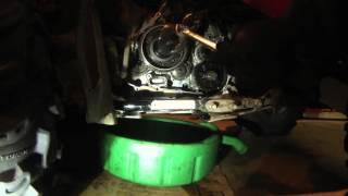 9. Starter clutch repair, Flywheel pulling 2006 Suzuki Kingquad 700