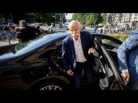 Mercedes-Rückrufe: Verkehrsminister beordert Daimler-Ch ...