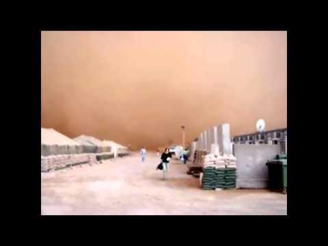 incredibili immagini di una tempesta di sabbia