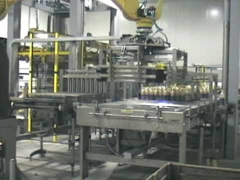 packaging machinery - BPM s.p.a. - Robot Pallettizable Bottles PET fruit juice. Packing, Palletizing machines, oil filling machine, Bottle Conveyor, Palletizer bottles, filling bo...