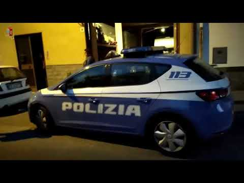 Gang di ladri d'auto: arresti della Polizia