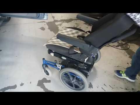 Santana Quantum 2001 manutenção do equipamento para embarque e desembarque do cadeirante e ou idoso.