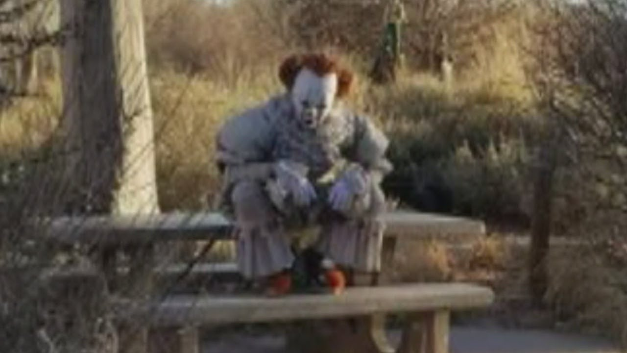 Video of scary clown spotted in Albuquerque