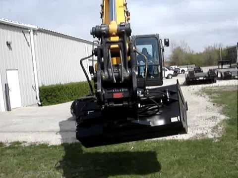 Video for Hydraulic Tilting Grade Bucket
