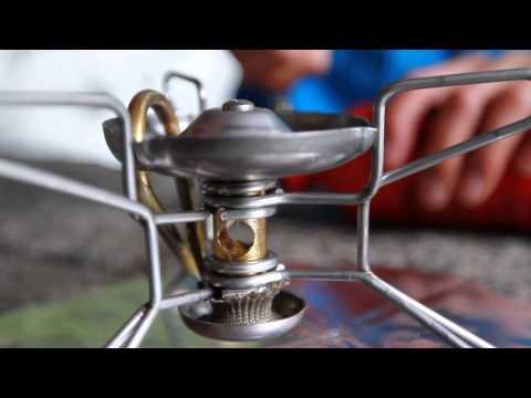 MSR Stoves: Utilisation de votre réchaud MSR à combustible liquide (Francais)