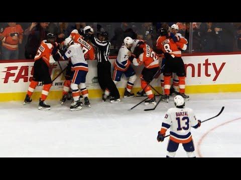 Video: Andrew Ladd stirs up melee between Flyers, Islanders