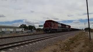 Aquí les dejo el metalero de Ferromex rumbo norte con un trío de AC4400CW la líder la 4500 y en múltiple la 4503 y remota la 4557 pasando por la placa kilométrica # 411 de la Línea A del Distrito de León, en León, Guanajuato. México NOAS_5
