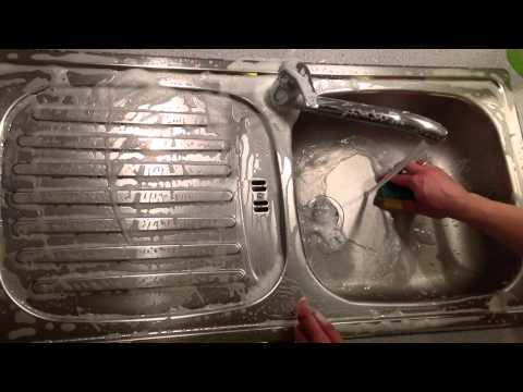 Edelstahlspüle reinigen - Spülbecken putzen