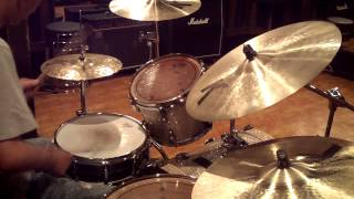 Download Lagu 6 Stroke Roll Lick ( Vinnie Colaiuta Style ) - Drum Lesson #3 Mp3