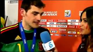 Iker Casillas kissing journalist Sara Carbonero