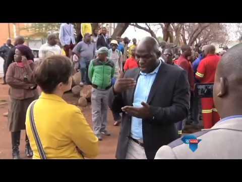 Politieke twis knou dienslewering / Political feud disrupts service delivery