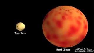 Điều gì xảy ra khi Mặt Trời tàn lụi và nuốt chửng Trái ĐấtTheo Live Science, một ngôi sao bắt đầu hình thành với sự tích tụ các loại khí, chủ yếu là hydro cùng heli và một số nguyên tố khác. Các phân tử khí có khối lượng, nên nếu có nhiều khí tích tụ lại với nhau, chúng sẽ sụp đổ dưới chính lực hấp dẫn của chúng.Quá trình này tạo nên áp lực hướng vào trong của một ngôi sao nguyên thủy (protostar), đốt nóng khí tới mức các nguyên tử khí chỉ còn tồn tại dưới dạng plasma. Sau đó, cứ hai hạt nhân hydro sẽ kết hợp với nhau trong phản ứng nhiệt hạch, tạo thành một nguyên tử heli, giải phóng ra năng lượng dưới dạng nhiệt và ánh sáng, đồng thời tạo ra một áp lực hướng ra phía ngoài, ngăn cản quá trình sụp đổ tiếp diễn.Phản ứng nhiệt hạch tạo ra heli này sẽ kéo dài trong hàng tỷ năm. Tới thời điểm gần hết nhiêu liệu hydro trong lõi ngôi sao, nó không còn phát ra nhiều năng lượng nữa, và bắt đầu sụp đổ dưới trọng lượng của chính nó. Tuy nhiên quá trình sụp đổ lúc này không còn đủ áp lực để kết hợp các hạt nhân heli như hydro lúc trước. Ngôi sao vẫn sẽ tỏa sáng là nhờ số ít hydro trên bề mặt lõi vẫn tiếp tục phản ứng sinh ra năng lượng....