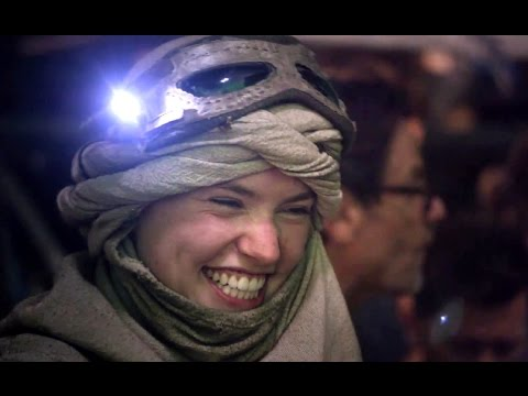 Star Wars: The Force Awakens (Featurette 'Dressing the Galaxy')