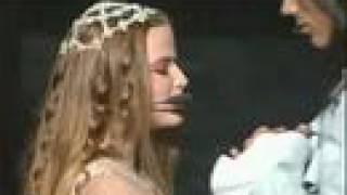 Juliette-Cécilia Cara / Roméo-Damien Sargue Aimer c'est ce qu'y a d'plus beau Aimer c'est monter si haut Et toucher les ailes...