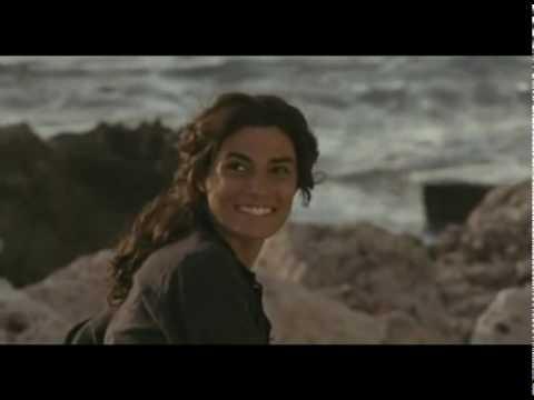 Angela & Sara (Viola di Mare) - Help I'm Alive