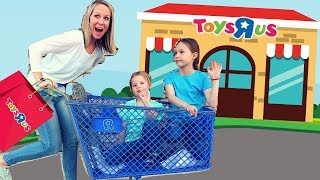 Video Last Toy School Field Trip to a REAL Toys R Us! 😭 MP3, 3GP, MP4, WEBM, AVI, FLV Juni 2018